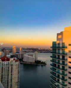 1300 Brickell Bay Dr #910 photo04