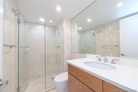 5555 Collins Ave #10Z photo08