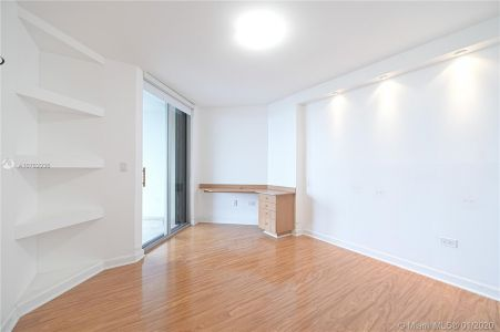 5555 Collins Ave #10Z photo09
