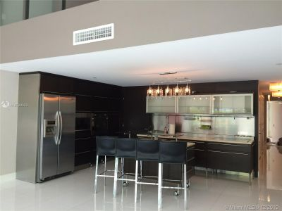 6000 Collins Ave #114 photo02