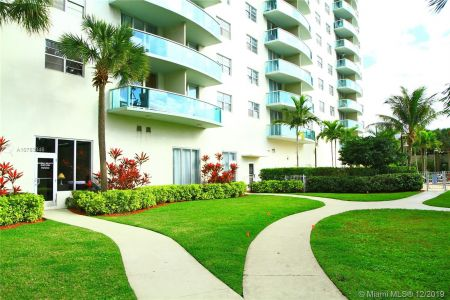 19370 Collins Ave #620 photo021