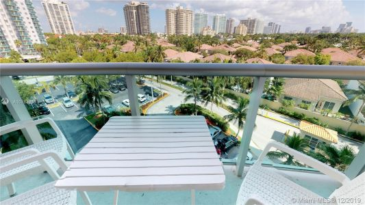 19370 Collins Ave #620 photo03