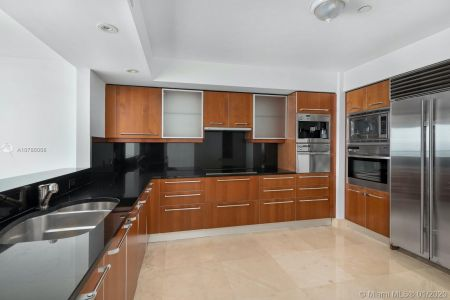 1331 Brickell Bay Dr #4305 photo06