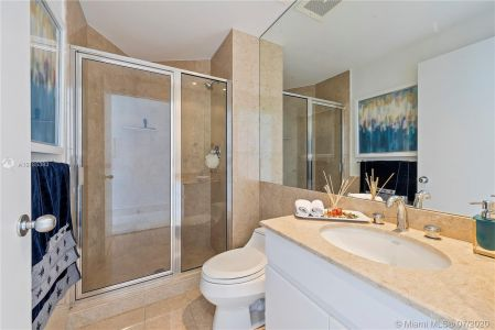 848 Brickell Key Dr #404 photo050