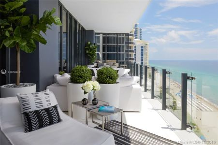 17141 Collins Ave #1501 photo02
