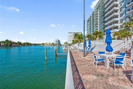 5700 Collins Ave #8N photo016