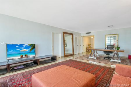 5700 Collins Ave #8N photo04