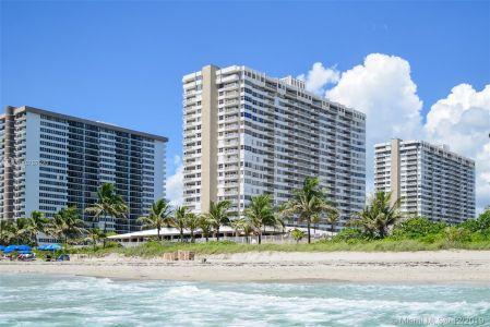 The Hemispheres Three #20Q - 1980 S Ocean Dr #20Q, Hallandale Beach, FL 33009