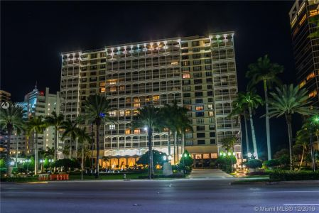 9801 Collins Ave #8Z photo038