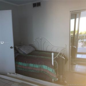 5401 Collins Ave #320 photo010