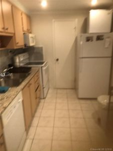 5401 Collins Ave #320 photo07