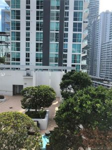 1050 Brickell Ave #1414 photo03