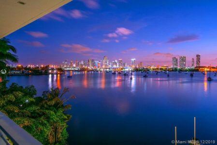 Hibiscus Island - 440 S Hibiscus Dr, Miami Beach, FL 33139