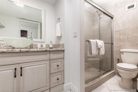 6039 Collins Ave #1714 photo022
