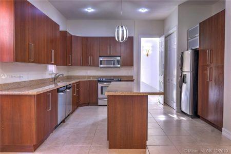 2426 S Miami Ave photo014