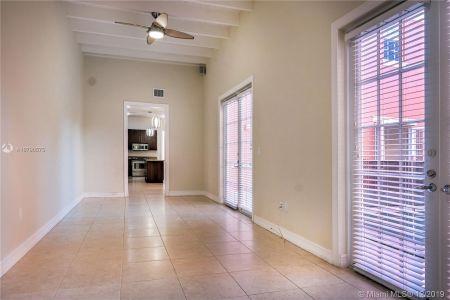 2426 S Miami Ave photo017