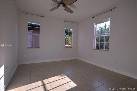 2426 S Miami Ave photo037