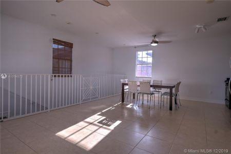 2426 S Miami Ave photo042