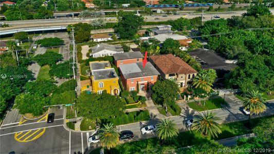 2426 S Miami Ave photo049