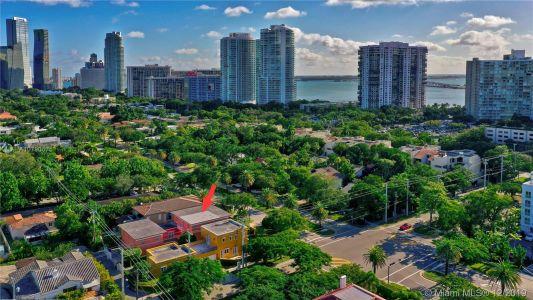 2426 S Miami Ave photo051