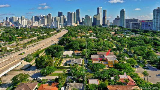 2426 S Miami Ave photo053