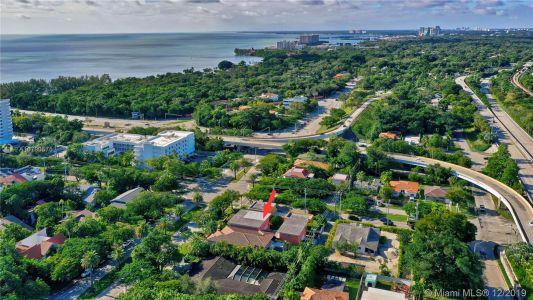 2426 S Miami Ave photo054