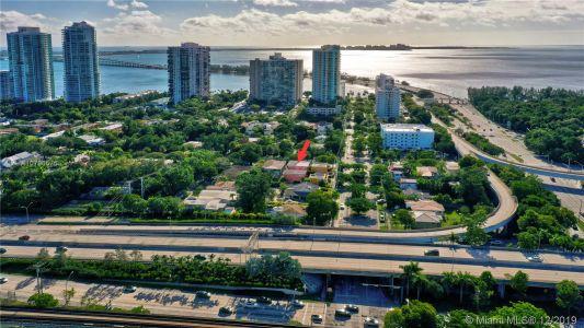 2426 S Miami Ave photo057