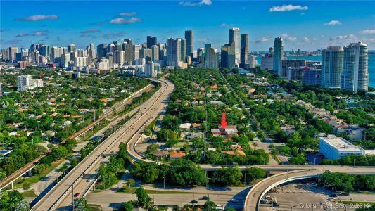 2426 S Miami Ave photo058
