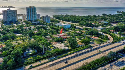 2426 S Miami Ave photo059