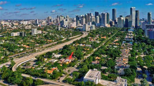 2426 S Miami Ave photo060