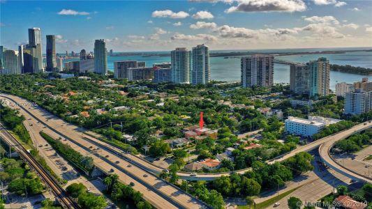 2426 S Miami Ave photo061