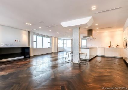 5255 Collins Ave #14J photo04