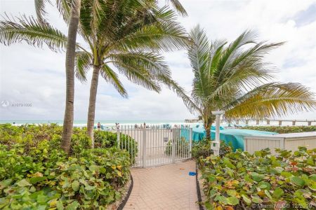 16711 Collins Ave #701 photo037