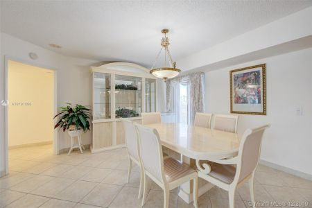 16711 Collins Ave #701 photo05
