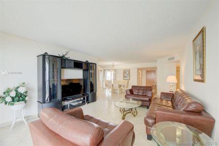16711 Collins Ave #701 photo08