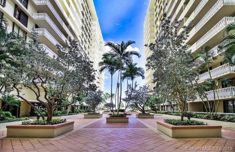 9801 Collins Ave #6I photo01