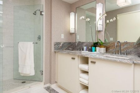 551 N Fort Lauderdale Beach Blvd #1609 photo012