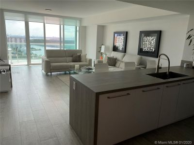 400 E Sunny Isles Blvd #1916 photo017