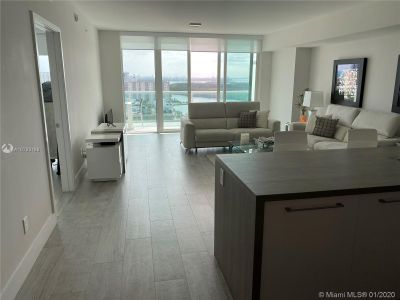 400 E Sunny Isles Blvd #1916 photo018