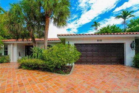 North Miami Beach - 3445 NE 167th St, North Miami Beach, FL 33160