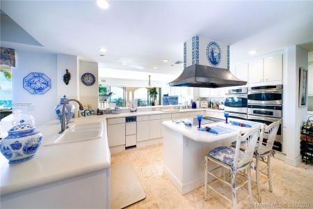 7842 Fisher Island Dr #7842 photo09