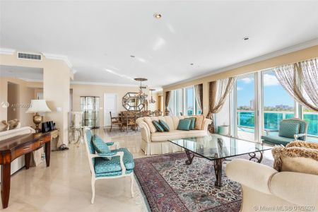 10101 Collins Ave #6A photo01