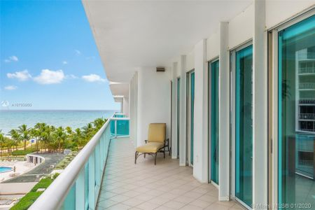 10101 Collins Ave #6A photo019