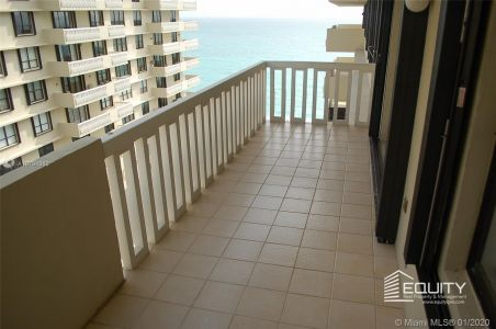 9801 Collins Ave #18X photo028