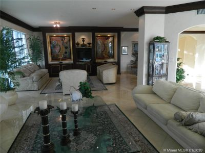 10101 Collins Ave #4A photo01