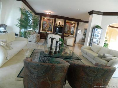 10101 Collins Ave #4A photo02
