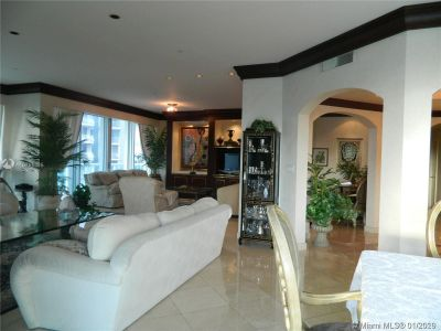 10101 Collins Ave #4A photo03