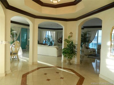 10101 Collins Ave #4A photo05
