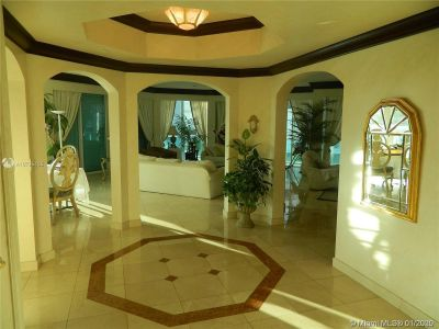 10101 Collins Ave #4A photo07