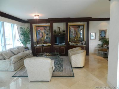 10101 Collins Ave #4A photo09